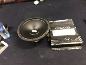 """Kenwood Amp and JBL 10"""" for Sale in Covina, CA"""