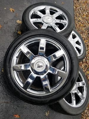 """22"""" cadillac escalade stock wheels tires CLEAN! for Sale in Bolingbrook, IL"""