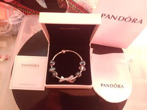 New silver round and green Pandora bracelet 21cm for Sale in Columbus, OH