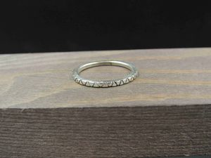 Size 7 Sterling Silver Thin Triangle Pattern Band Ring Vintage Statement Engagement Wedding Promise Anniversary Bridal Cocktail for Sale in Everett, WA