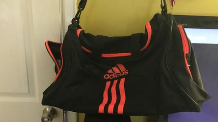 Adidas duffle bag for Sale in Washington,  DC