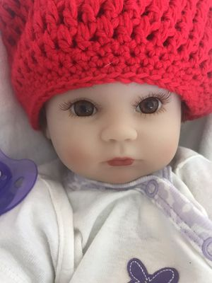 "Beautiful realistic 17"" Baby Play Doll for your little girl for Sale in Miami, FL"