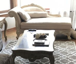 Elegant Beige Chaise - Excellent Condition! for Sale in Chicago,  IL
