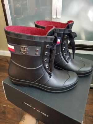 TOMMY HILFIGER Women's Boots size 7M for Sale in Long Beach, CA