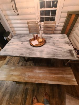 Farmhouse antiqued kitchen table for Sale in Greer, SC