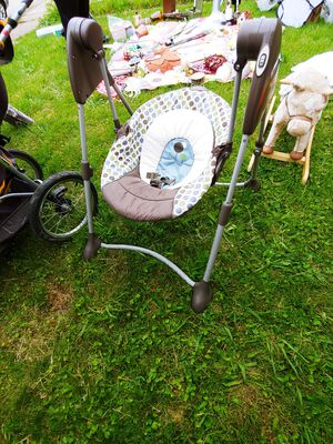 Baby swing by Graco for Sale in West Mifflin, PA