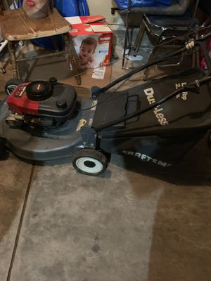 Lawn mower newer working for Sale in Colorado Springs, CO