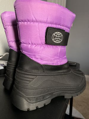 Girl Snow Boots, Size 3 for Sale in Las Vegas, NV