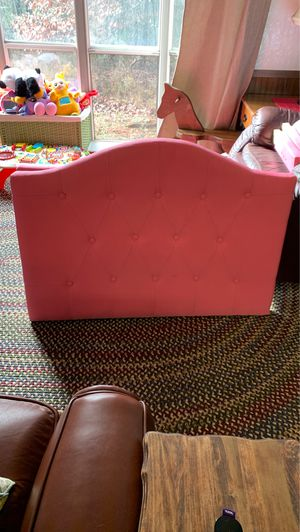 Twin size upholstered head and footboard for Sale in Easley, SC