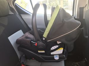 Graco click connect 30 car seat stroller and base 3 piece set for Sale in Long Beach, CA