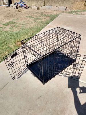 Medium/large dog cage/ jaula mediana/ grande for Sale in Phoenix, AZ