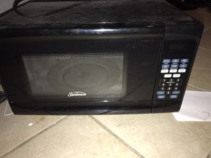 Sunbeam microwave for Sale in Columbia, MO