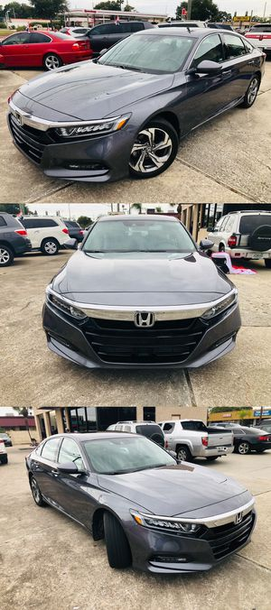 2018 Honda Accord Elx with 8k miles Leather perfect warranty Open 7 days for Sale in Largo, FL