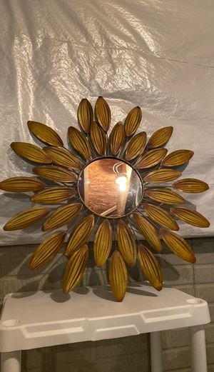 Round Wall Mirror for Sale in Columbus, OH