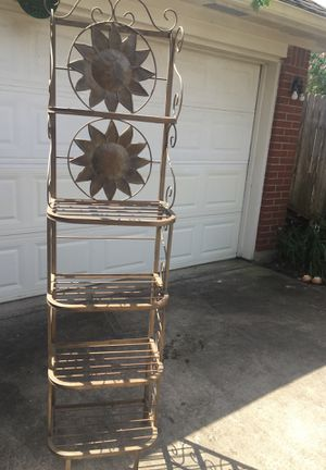 Sturdy Metal Bakers Rack for Sale in Katy, TX
