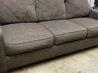 Comfy Brown Fabric Couch / Sofa $200 for Sale in Renton,  WA