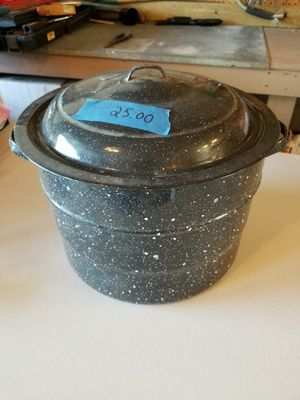 Canning Pot, Jar Rack, Bottle Lift 25.00 for Sale in Shorewood, IL