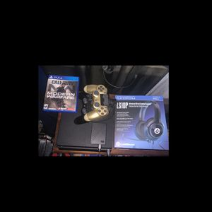 PlayStation 4 Bundle for Sale in West Palm Beach, FL
