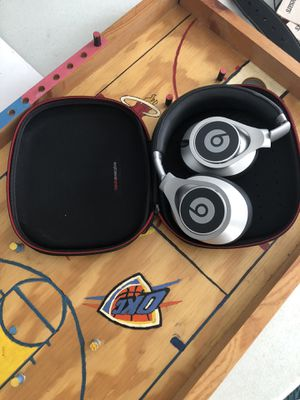 Beats by Dre Executive for Sale in Romulus, MI