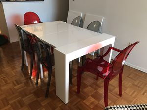 Collapsible/Expandable White Modern Dining Table for Sale in MARTINS ADD, MD