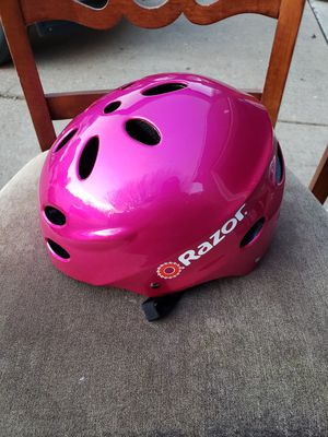 girls' bike helmet and pads set for Sale in Grand Prairie, TX