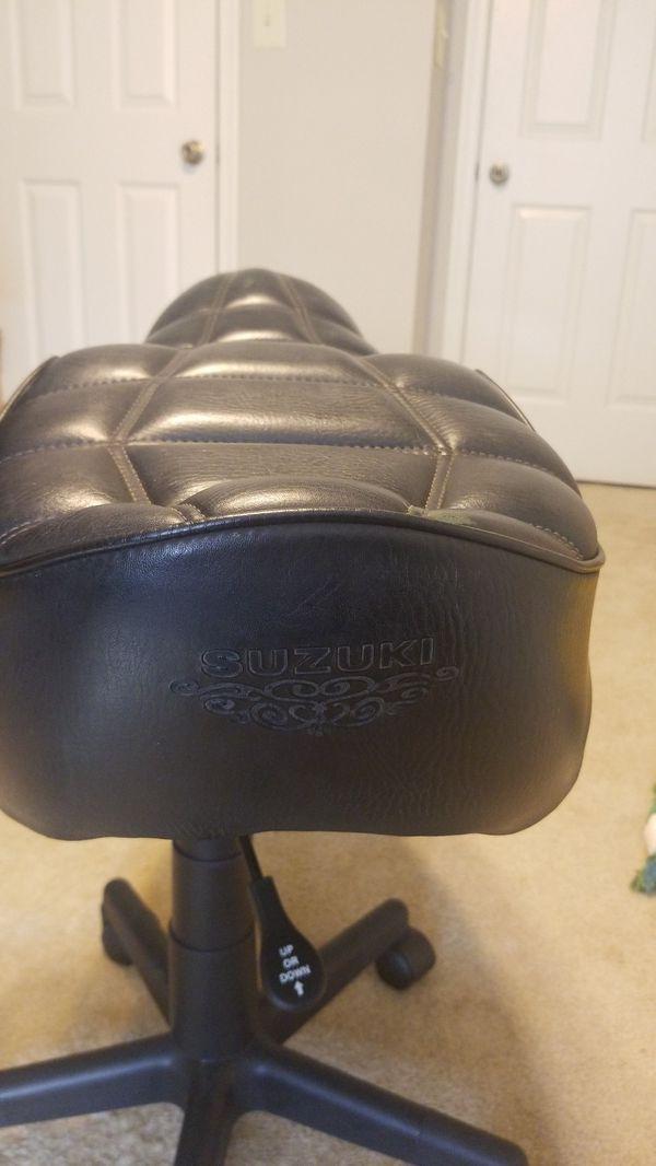 Suzuki 1979 Gs750L motorcycle seat