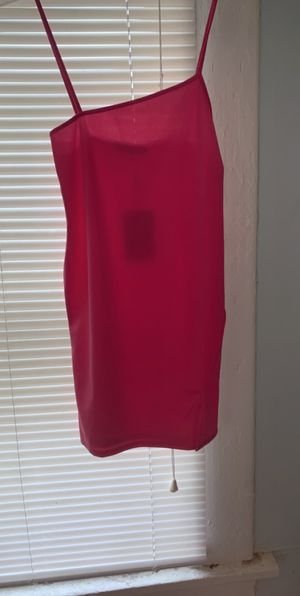 Hot pink dress w straps, small split on left thigh for Sale in Columbus, OH