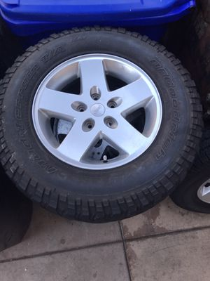 Jeep LT 255/75R17 Wheels and tires+Spare for Sale in San Diego, CA