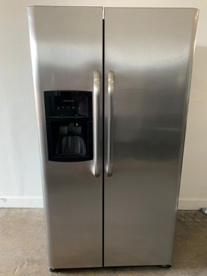 "36"" Frigidaire refrigerator nevera refrigerador fridge stainless steel good condition we fix warranty for Sale in Miami, FL"