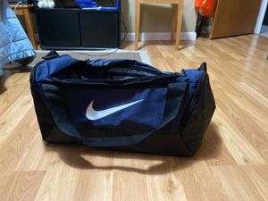 Nike duffel bag for Sale in Aurora, CO
