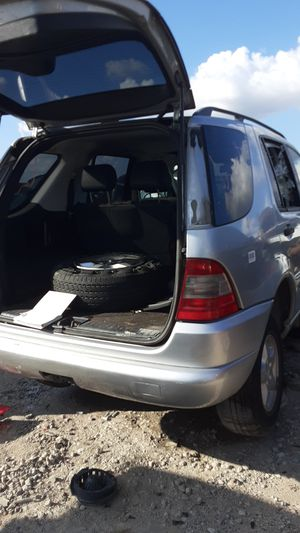 2001 Mercedes ML320 for parts for Sale in Houston, TX