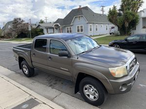 2010 Toyota Tacoma prerunner for Sale in Los Angeles, CA