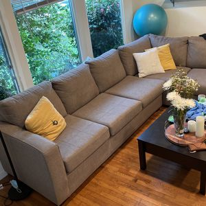 Chaise sofa Grey for Sale in Los Angeles, CA