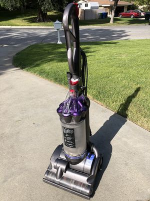 Dyson DC28 for Sale in Riverside, CA