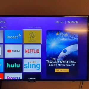 Samsung HD TV 55 Inch With Roku for Sale in Los Angeles, CA