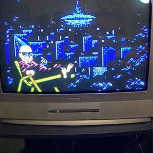 """Magnavox 27"""" Tube Tv With Remote for Sale in Selma, CA"""