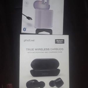 Two Pair Brand new Unisex Earbuds for Sale in Washington, DC