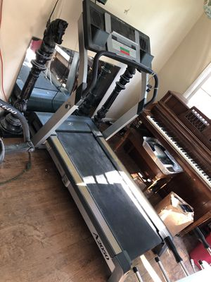NordicTrack A2050 Treadmill for Sale in New Haven, CT