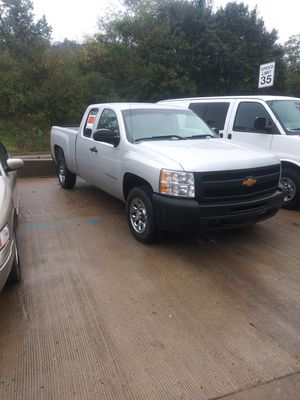 2011 chevy Silverado for Sale in Pittsburgh, PA