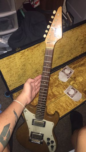 built from scratch straight head guitar for Sale in Nashville, TN