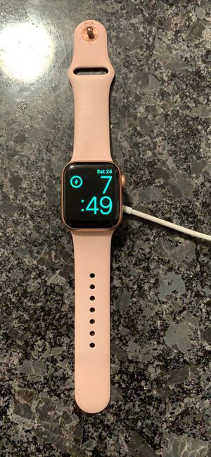 Apple Watch series 4 for Sale in North Chesterfield, VA