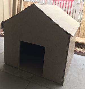 Dog house / casita de perro for Sale in San Bernardino, CA