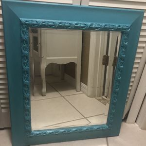"Victorian Ornate Resin Mirror 22 1/2""x 26 1/2"" for Sale in Fort Pierce, FL"
