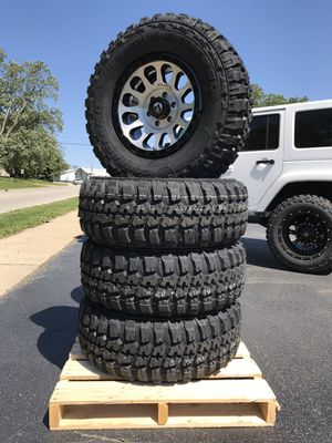 """New Jeep Wrangler 285 70 17"""" tires x4 Fuel wheels 17x9 vector machined silver $1499 for 5 $1899 for Sale in Joliet, IL"""
