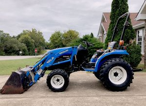 2OO3*New Holland//TC18 Compact Tractor for Sale in Dallas, TX