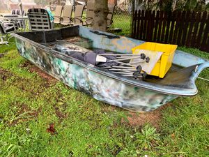 John boat have electric motor as well for Sale in Marysville, WA