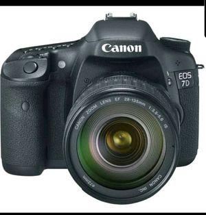 Canon EOS 7D 18 MP CMOS Digital SLR Camera with EF zoom for Sale in Alpharetta, GA