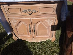 Night stand for Sale in Lynwood, CA