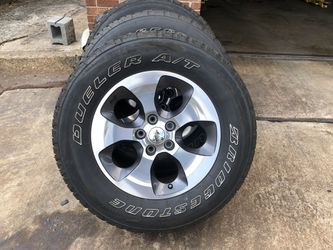 255/70/18 Wheels and Tires (Quantity of 5) for Sale in Gastonia,  NC