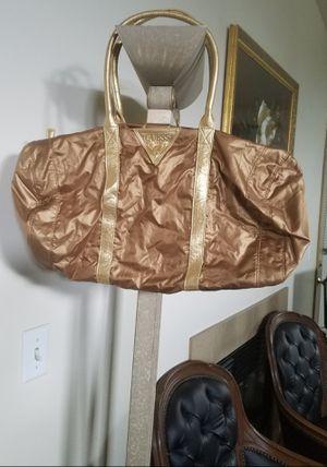 Guess (Women's Athletic Bag) for Sale in Mountlake Terrace, WA